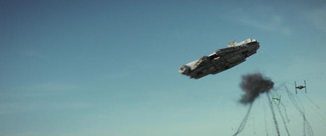 star wars the last jedi millennium falcon battle of crait
